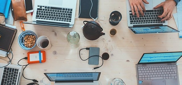 4 porady jak sprawnie odpowiadać na wiadomości klientów w social media