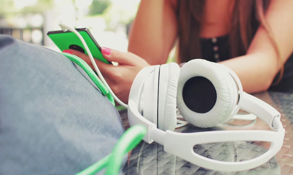 Podcast: Dlaczego warto wykorzystać podcast w biznesie?