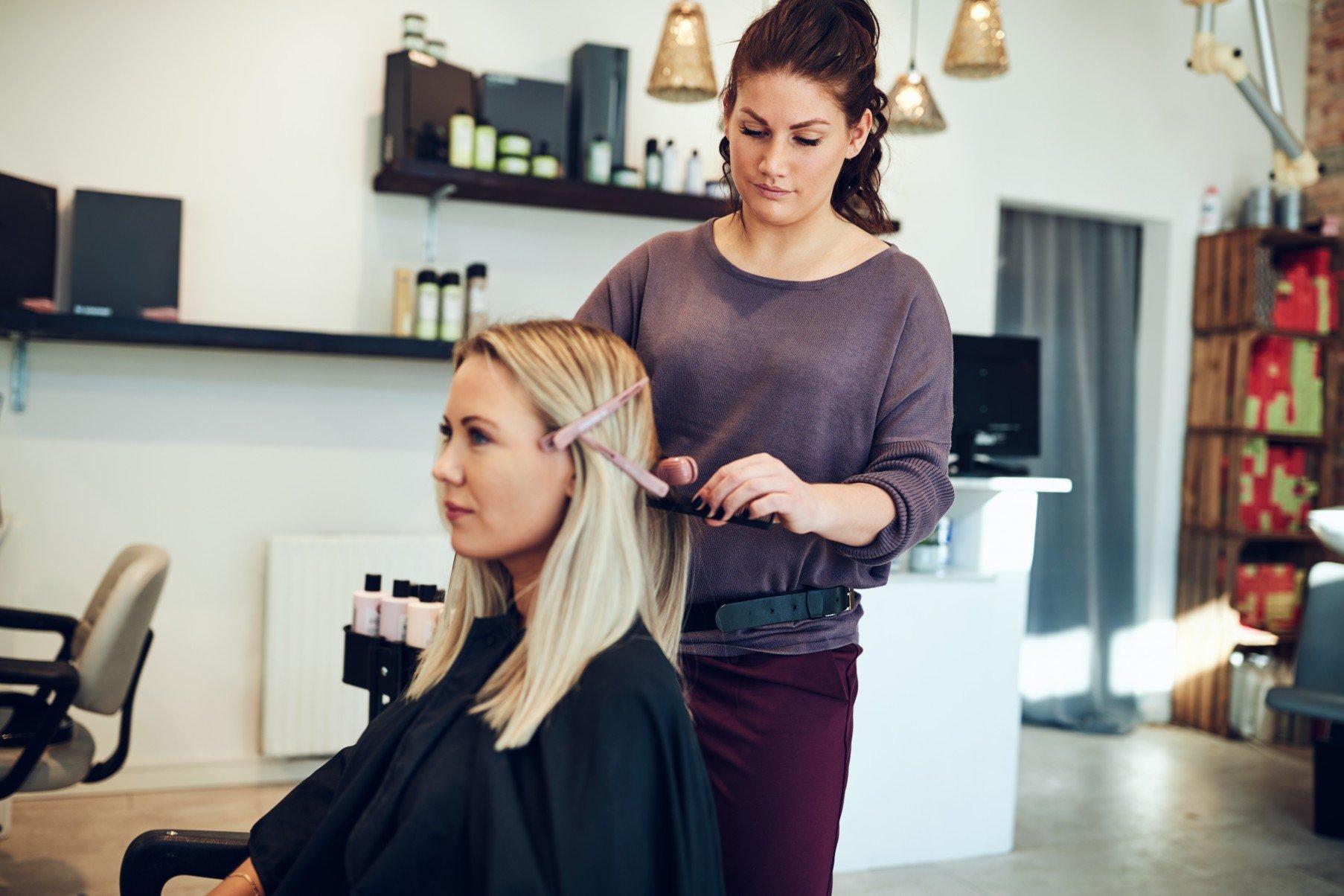 6 korzyści jakie zapewnia monitoring internetu w branży fryzjerskiej