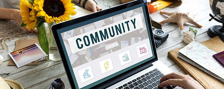 Komunikacja w internecie za pomocą odpowiednich do tego narzędzi